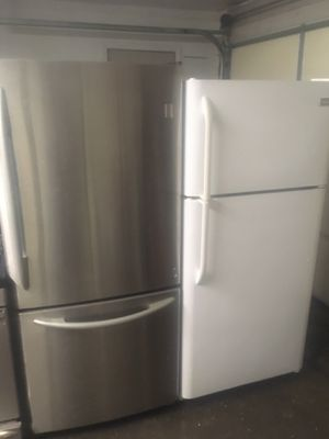 22 cuft stainless steel refrigerator for Sale in Schenectady, NY