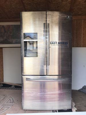 Samsung black stainless steel fridge french door for Sale in Chantilly, VA