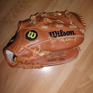 """Right Handed Youth 10.5"""" Baseball Glove for Sale in San Jose, CA"""