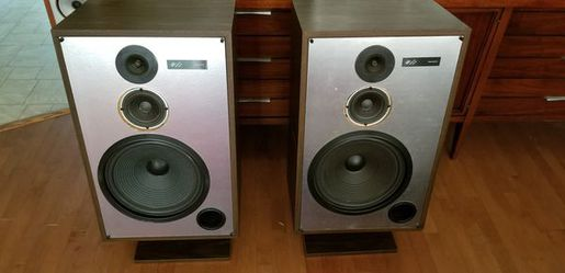 JBL 902VX 200 watts loudspeakers SPEAKER GRILLS ARE INCLUDED for Sale in Washington,  DC