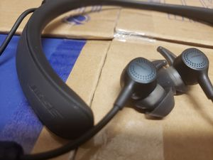 Bose wireless headphones for Sale in San Leandro, CA