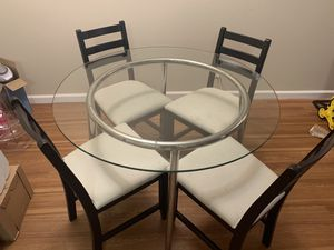 Glass top dining table with chairs for Sale in Cupertino, CA