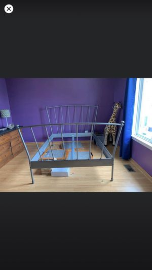 Full size bed frame for Sale in Plainfield, IL