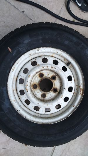 Trailer tire with Rim 205/75R14 80% forsale $75OBO for Sale in Anaheim, CA
