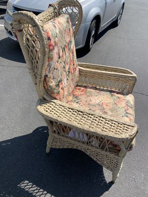 Antique dealer Wicker Chair with Newspaper Holder for Sale in Sacramento, CA