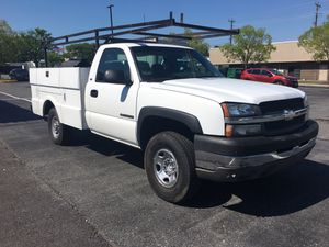 2005 Chevy Silverado HD 2500 series utility body with ladder racks the truck runs and drives fine it has a minor exhaust leak New tires oil change al for Sale in Rockville, MD