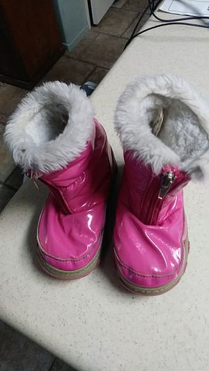 Bass sugar toddler girls snow boots suze 8m for Sale in GLMN HOT SPGS, CA