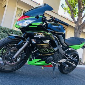 2011 Kawasaki ninja 650 special edition Clean title, in mint condition, with only 7900 mile for Sale in Irvine, CA
