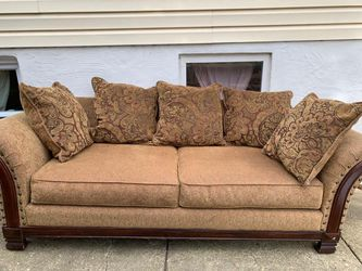 Brown and Caramel Tan couch for Sale in Takoma Park,  MD