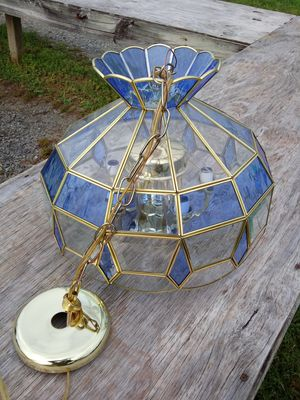VINTAGE TIFFANY STYLE HANGING CHANDELIER LAMP for Sale in Charles Town, WV