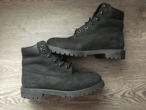 """Black Timberland 6"""" Boots (size 6 youth) for Sale in Miami, FL"""