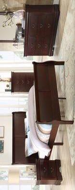 Cherry Bedroom set 4 piece queen size (bed, nightstand, Dresser, mirror) for Sale in Houston, TX