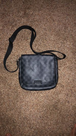 Authentic LV messenger bag for Sale in Gahanna, OH