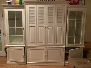 Stanley Furniture Entertainment Unit for Sale in East Quogue, NY