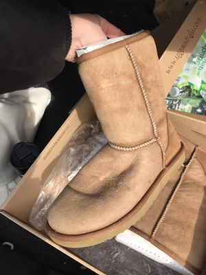Chestnut brown uggs for Sale in Baltimore, MD