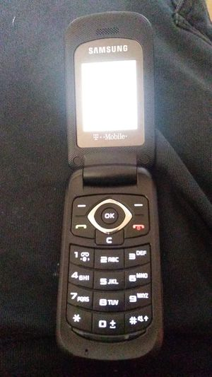 Tmoble flip phone for Sale in Fontana, CA