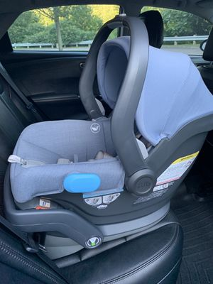 Uppababy Mesa car seat with base for Sale in Franklin, MA