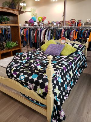 Full Size Bed Frame w/ NEW Mattress Set for Sale in Dunlap, TN