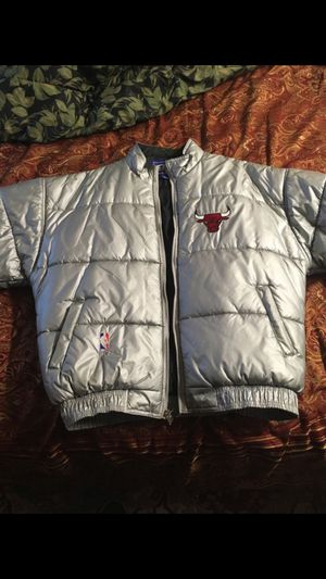 97 vintage bulls starter winter coat for Sale in Chicago, IL