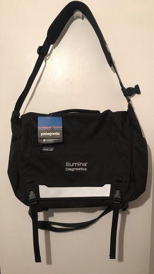 "Patagonia Blk Half Mass Lrg Laptop Messenger Bag ""Illumina Diagnostic"" Logo NWT for Sale in Los Angeles, CA"