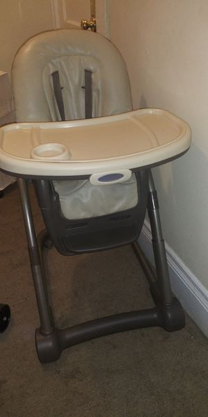Graci 3 in 1 High Chair for Sale in Saint Paul, MN