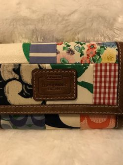 Coach Hampton multicolor patchwork wallet for Sale in West Homestead,  PA