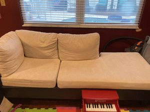 Couch with chaise lounge chair and ottoman for Sale in Oldsmar, FL