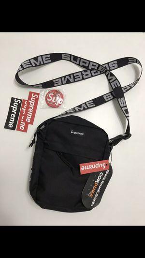 Supreme shoulder bag for Sale in Riverview, FL