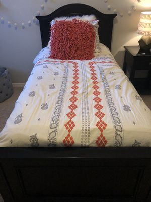 Twin bed headboard, footboard, 6 drawer dresser with mirror, nightstand, and twin mattress for Sale in Oviedo, FL