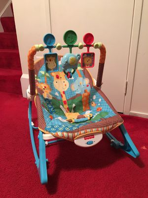 Baby swing/chair for Sale in Gaithersburg, MD