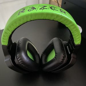 Razer Electra Essential Over Ear Gaming Headphones w/ Superior Sound Isolation (Green/Black) for Sale in Charlottesville, VA