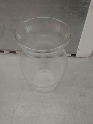 Big clear glass vase for Sale in Houston, TX