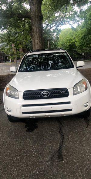 20007 Toyota RAV4 has 166000 miles for Sale in Hartford, CT