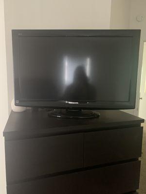 Panasonic Viera 32 inch LCD TV TC-L32X1 for Sale in Verona, PA