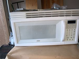 100 percent working - Built-in microwave with hardware to install for Sale in Henderson, NV