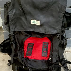 REI CAMPING BACK PACK WITH EXTERNAL FRAME for Sale in Whittier, CA