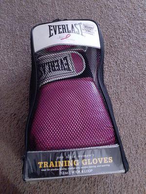 Everlast kickboxing gloves for Sale in La Verne, CA