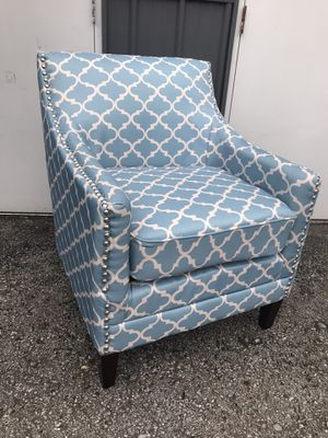Adorable accent chair for Sale in Columbus, OH