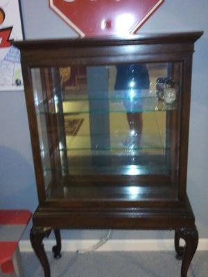 Antique curio cabinet for Sale in Grove City, OH