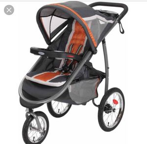 Graco fastaction click connect jogging stroller for Sale in Washington, DC