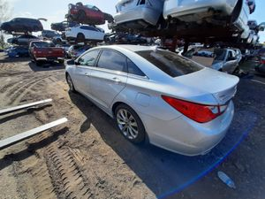 Hyundai sonata 2012 only parts for Sale in Hialeah, FL