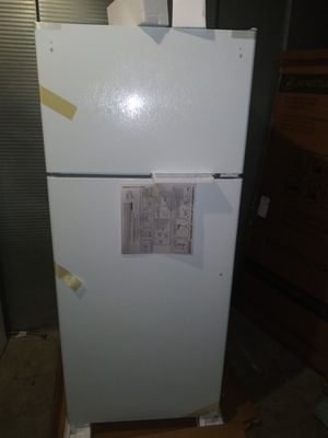 ==Brand new in box. White GE 17.5 Cu. Ft. Top-Freezer Refrigerator (can deliver for free;(;;()$)!£! for Sale in Claremont, CA