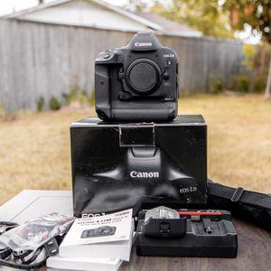 Canon EOS 1DX mark II camera brand new ( 26 shots ) for Sale in Dallas, TX