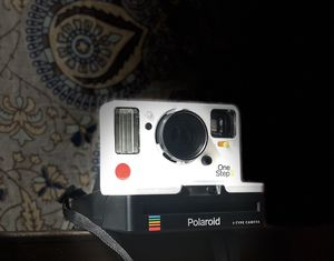 Polaroid originals OneStep2 VF instant film camera for Sale in Honolulu, HI