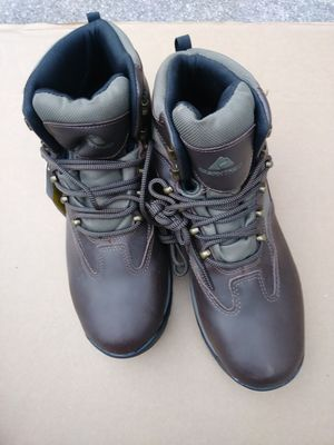 Brand new. Pair of mens hiking /working boots for Sale in Fort Myers, FL
