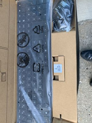 NIB wireless keyboard and mouse for Sale in West Bloomfield Township, MI