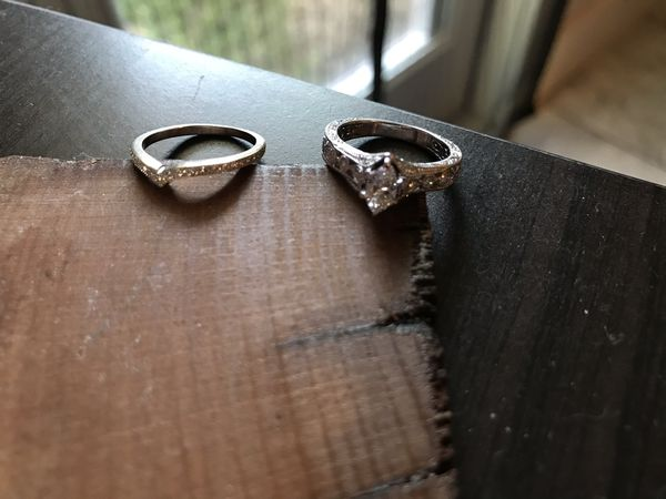 Size 6 Womans Wedding Rings- Bridal set