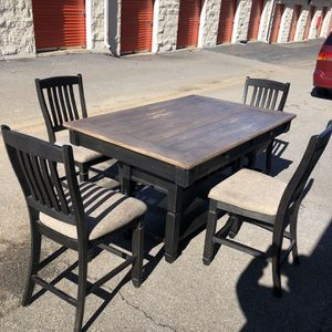 High Top Dining table / kitchen table for Sale in Roswell, GA
