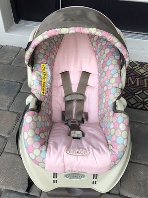 Free baby car seat for Sale in Lutz, FL