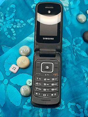 SAMSUNG FLIP PHONE AT&T VINTAGE for Sale in Franklin, MA